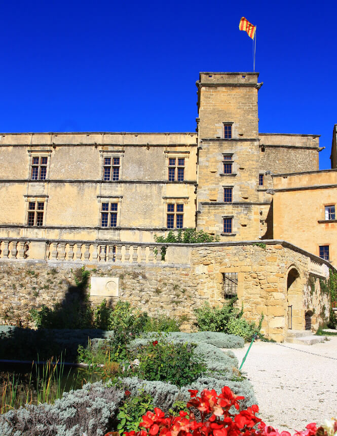 Château de Lourmarin ©HOCQUEL A