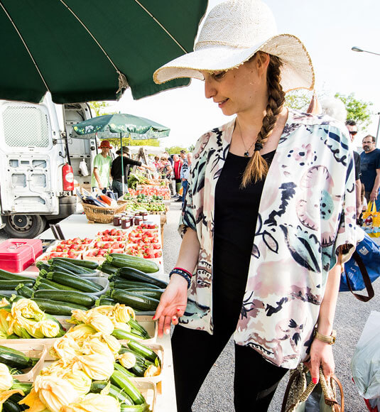 Une virée au marché de Velleron ©COQUARD M