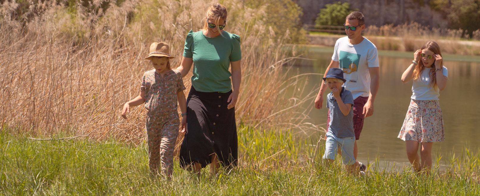 Famille en Vaucluse © Planque
