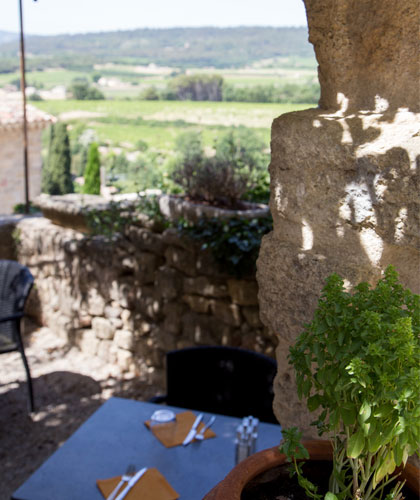 Restaurant à Ansouis @ Hocquel