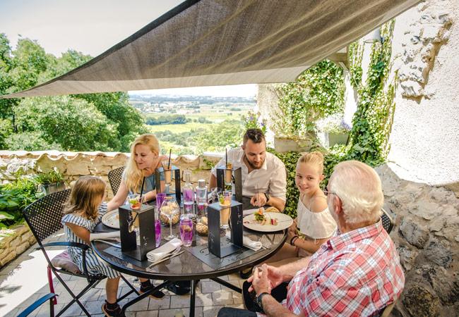 Repas en famille en Vaucluse