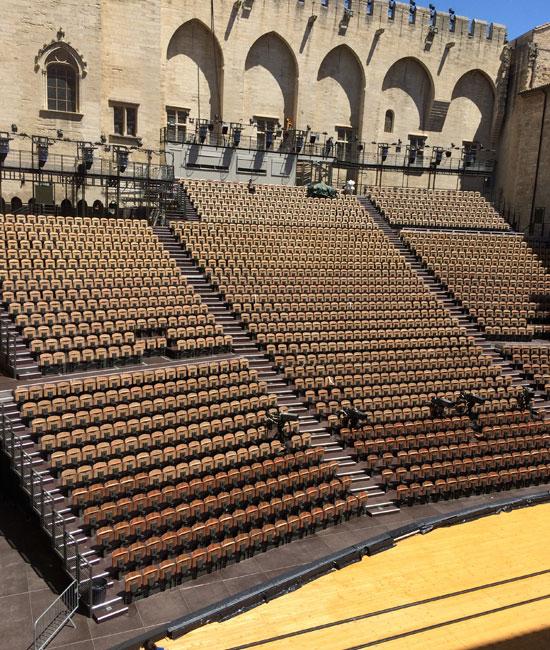 Cour d'honneur du Palais des Papes