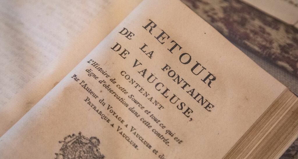 Livre au musée-bibliothèque Pétrarque